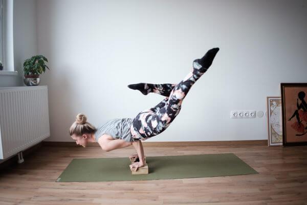 ejercicios yoga para fortalecer