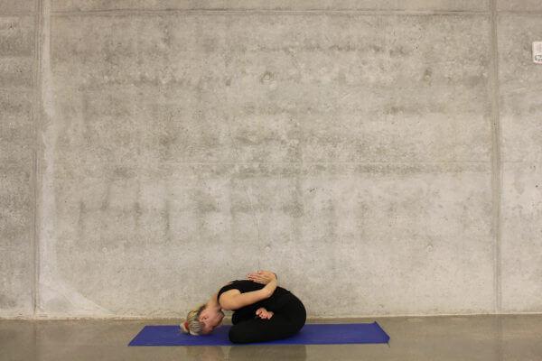 yoga beneficios para la espalda